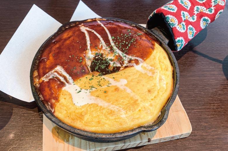 鐵板蛋包飯佐多蜜醬汁(デミグラスソースオムライス)