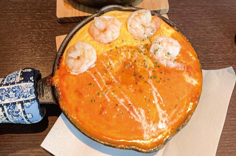 鐵板蛋包飯佐鮮蝦美國風味醬(小海老のアメリケーヌソースオムライス)